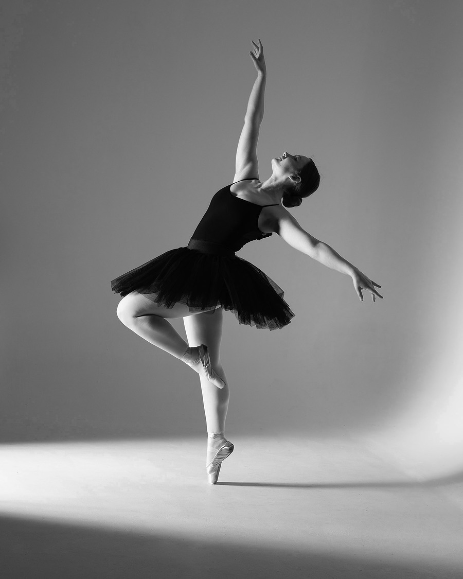 Graceful dancer / Photography by Inspire Studios Ltd, Model Olivia Grace Dancer, Taken at Inspire Studios Ltd / Uploaded 17th June 2019 @ 08:40 PM
