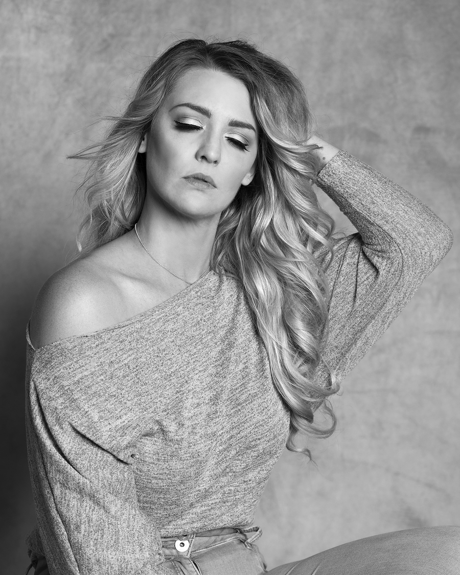 In the moment / Photography by Inspire Studios Ltd, Model EmmaNicole1402, Taken at Inspire Studios Ltd / Uploaded 24th July 2019 @ 07:50 AM