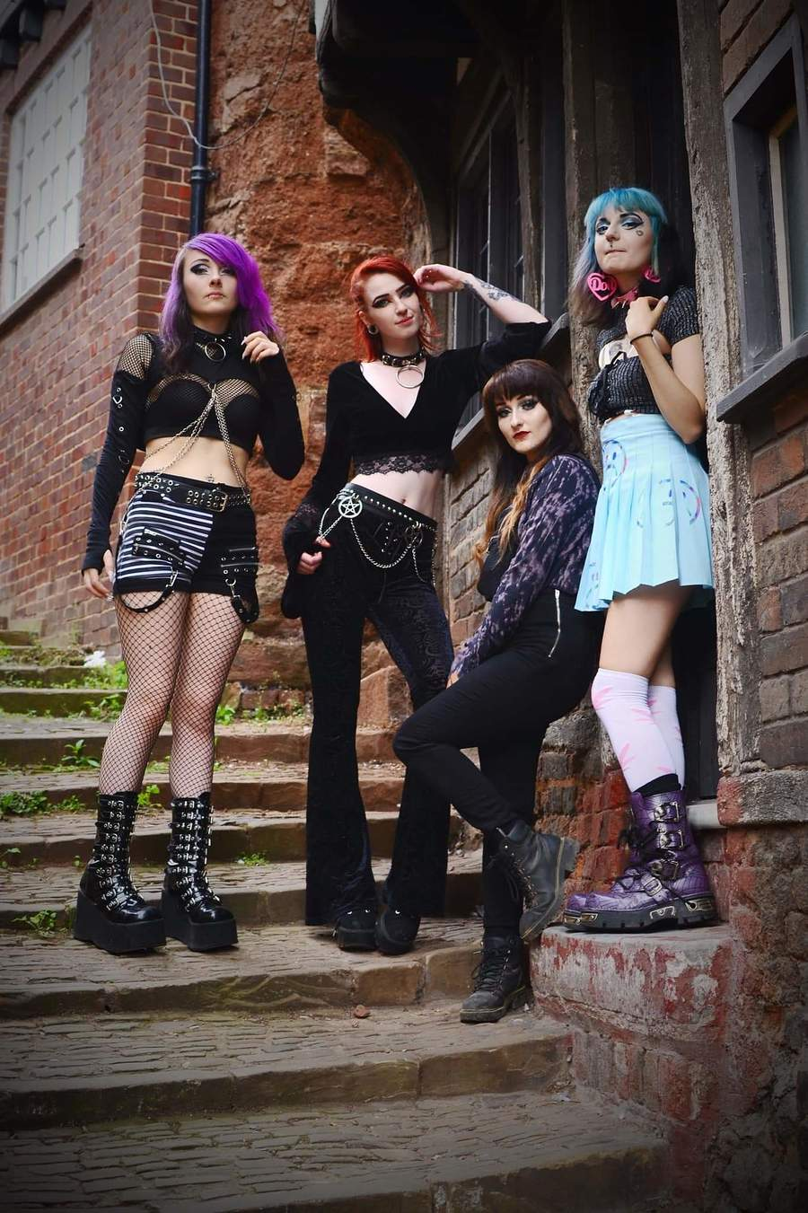 Photography by moonscape, Models Jade Alexandra Model, Models Samantha9, Models Slam Petal, Models Vampire kiss / Uploaded 4th September 2019 @ 08:11 PM