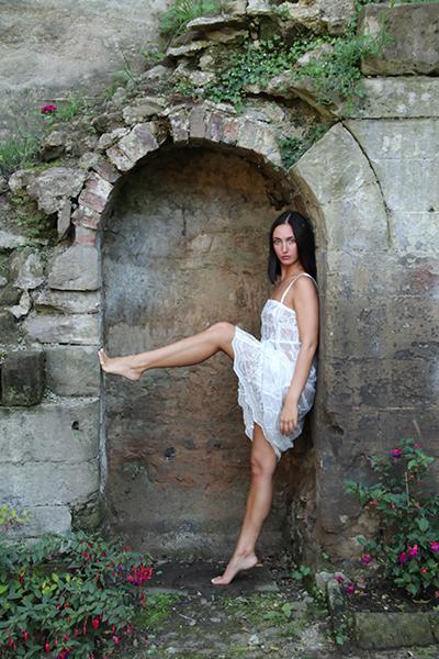 Photography by Roger P, Model Beth Kate / Uploaded 21st September 2019 @ 09:31 PM