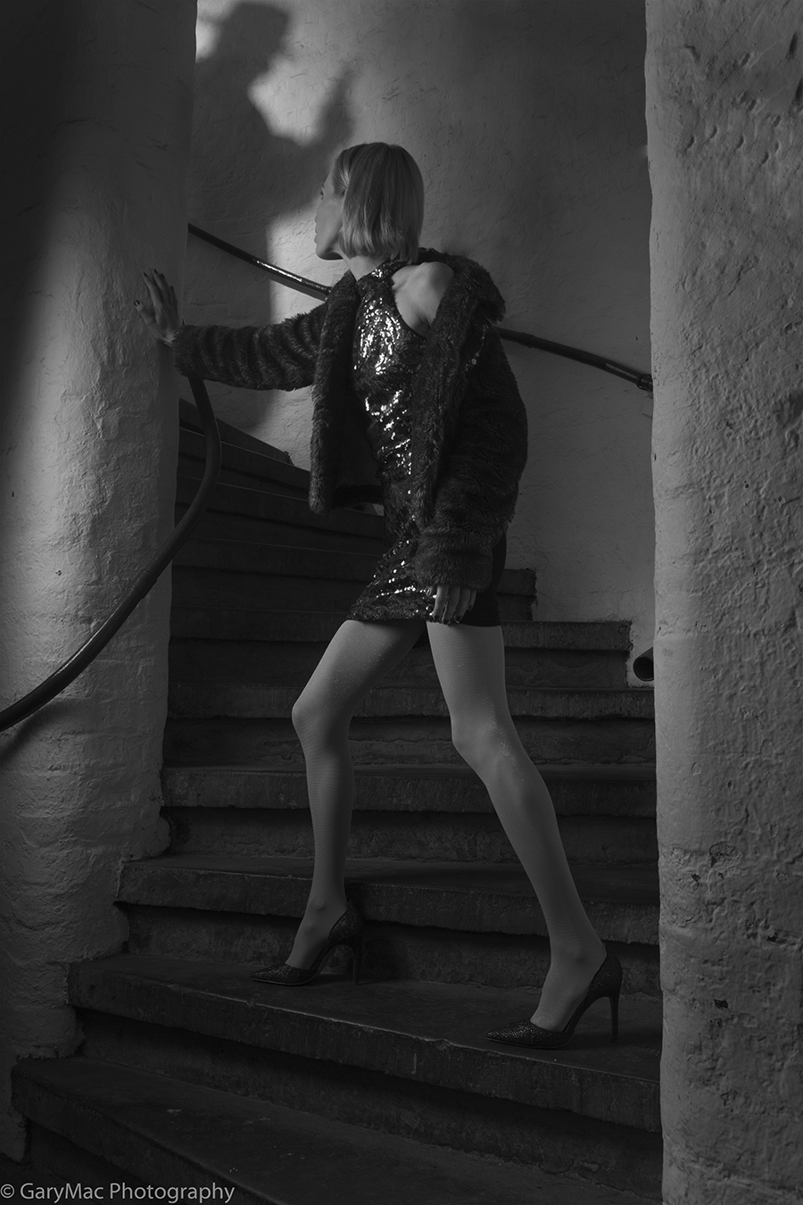 Fight or Flight ? / Photography by GaryMac Photography, Model Zara Watson, Taken at Rainbow Studio, Assisted by sperry1 / Uploaded 27th March 2017 @ 12:01 AM