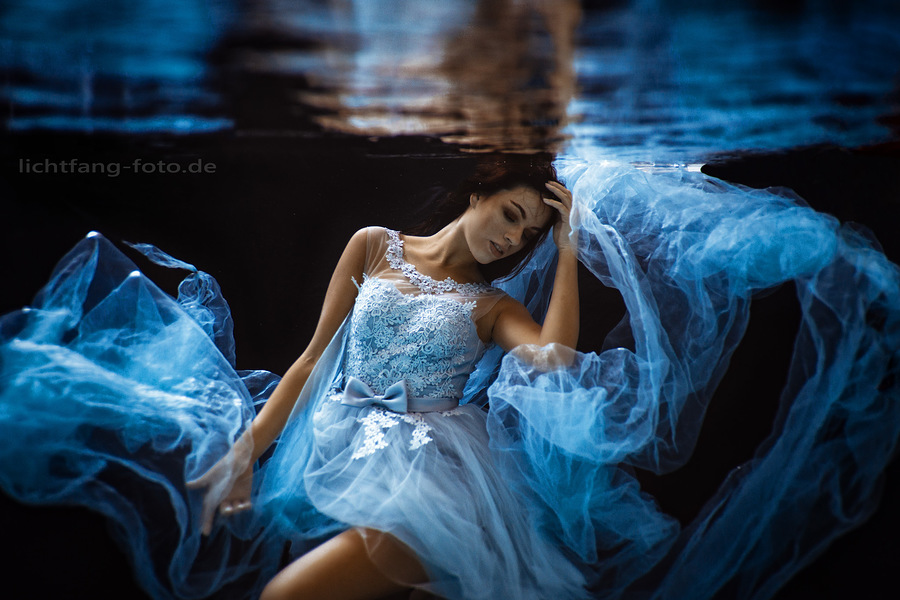 feminine blue / Photography by Lichtfang / Uploaded 10th June 2019 @ 09:18 AM