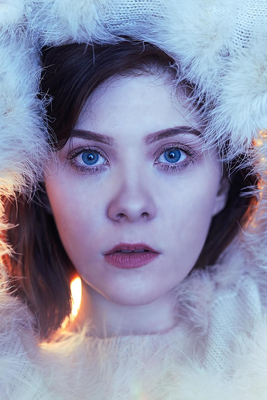 Ice Glow / Photography by David Abbs, Model Brogan Alexandra, Taken at Studio 33 / Uploaded 1st October 2018 @ 08:50 PM