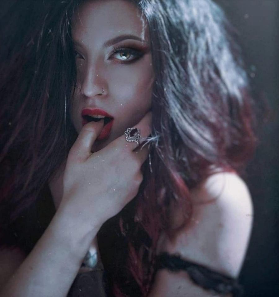 Close up. / Model Chloe E Kellaway / Uploaded 1st October 2019 @ 07:13 AM