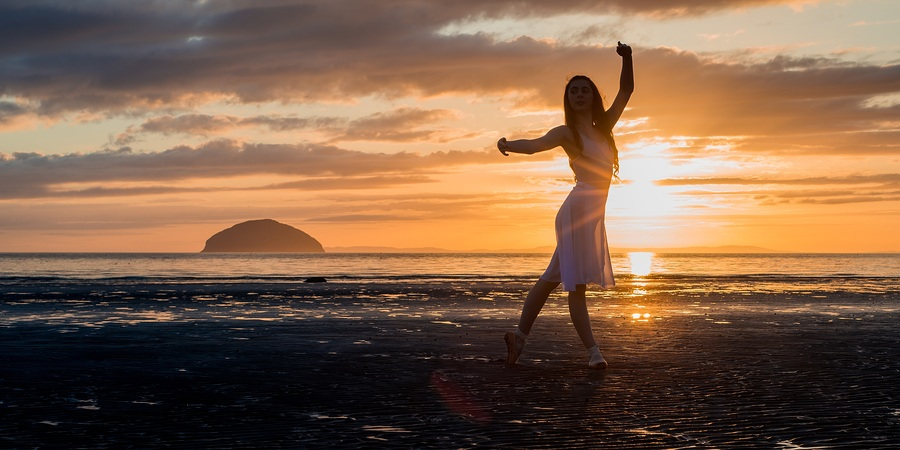 Dance Silhouette / Photography by Anthony Dawson Photography / Uploaded 18th September 2018 @ 02:55 PM