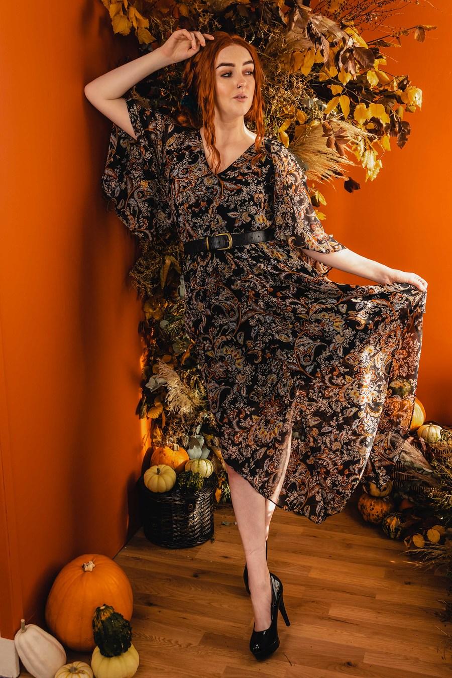 Photography by AyshiaScott, Model Molly-Mae, Taken at Fareham Studio / Uploaded 5th November 2020 @ 10:20 PM