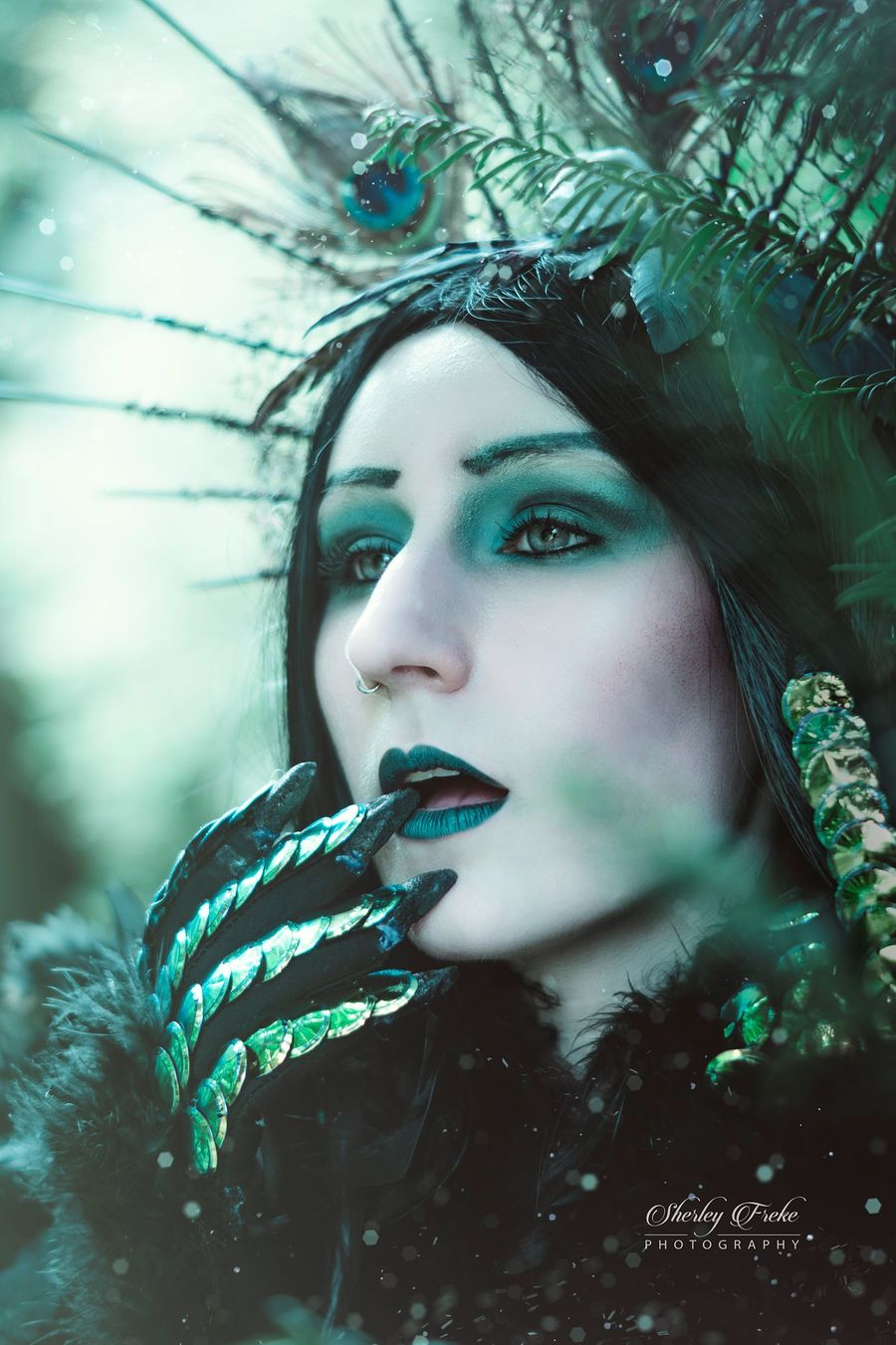Peacock Gothic / Photography by SherleysPhotography, Model Dragica, Makeup by Dragica / Uploaded 13th November 2018 @ 07:59 PM