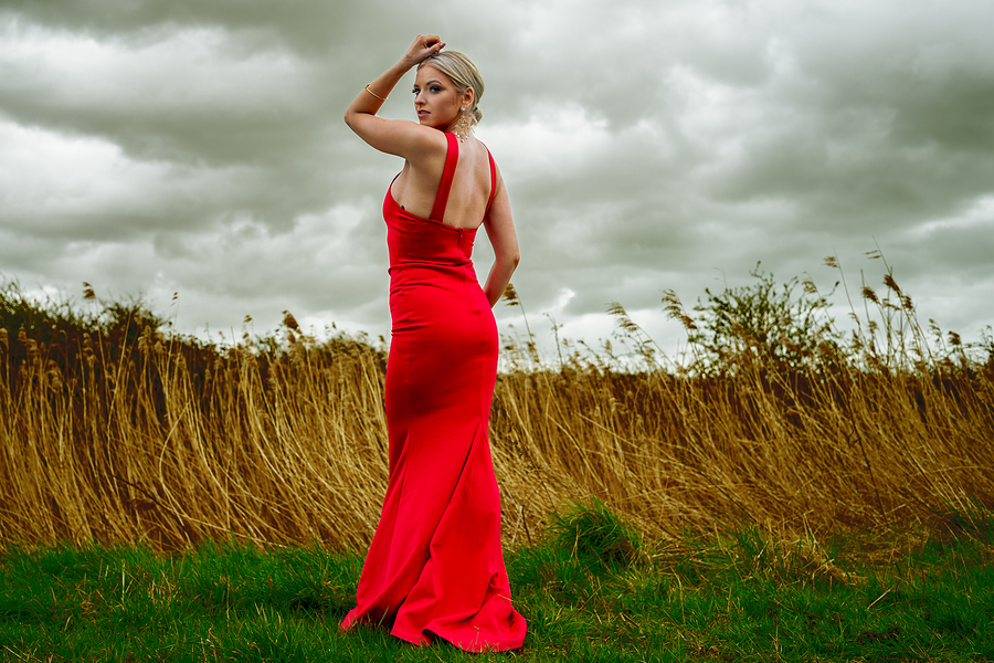 Lady in RED / Photography by EriksL, Post processing by EriksL / Uploaded 3rd April 2021 @ 03:21 PM