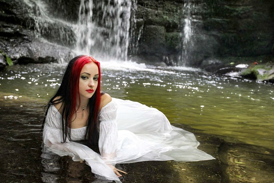 Water nymph / Photography by Spirit Of Wales Photography, Model Leonie Snow, Designer Superstitchious / Uploaded 1st August 2018 @ 10:53 AM