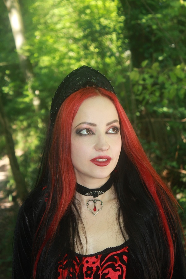 Red Queen / Photography by beesayscheesephotography, Model Leonie Snow, Designer Superstitchious / Uploaded 15th August 2018 @ 02:11 PM