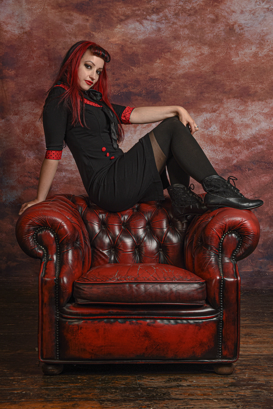 Are you sitting comfortably? / Photography by PARKES, Model Leonie Snow, Taken at ML Photo Studio / Uploaded 11th September 2020 @ 11:07 AM