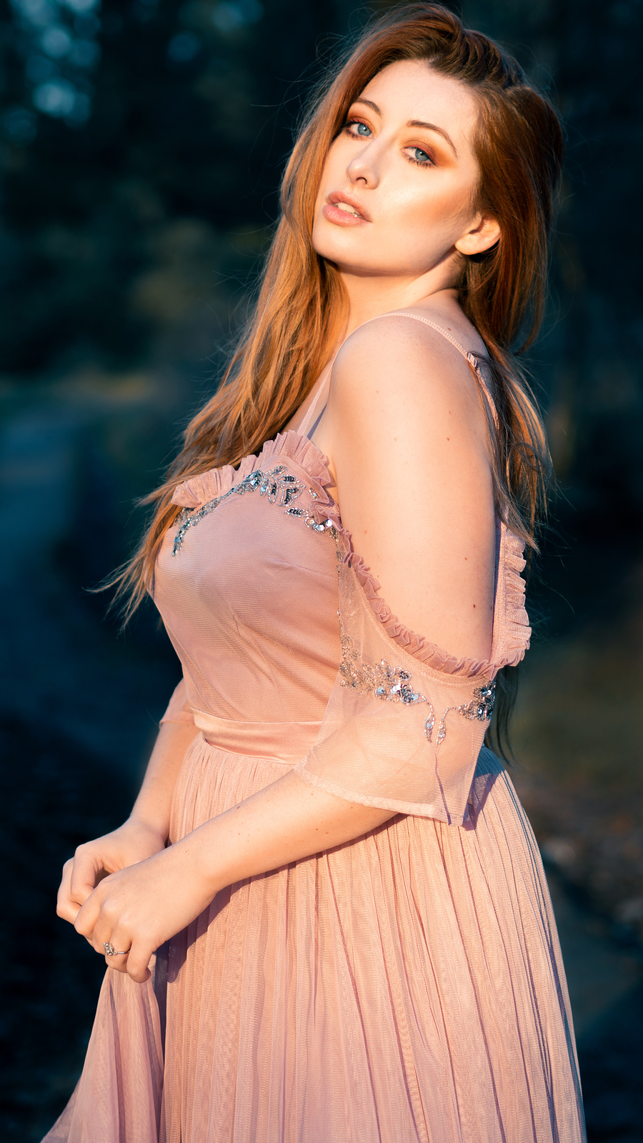 Golden Hour / Photography by Alis Volat Photography, Model Sinopa Rin, Post processing by Alis Volat Photography / Uploaded 3rd March 2019 @ 10:28 PM