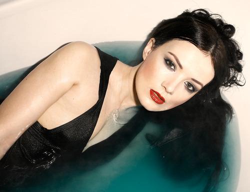 Model Faye Taylor / Uploaded 6th January 2014 @ 04:37 PM