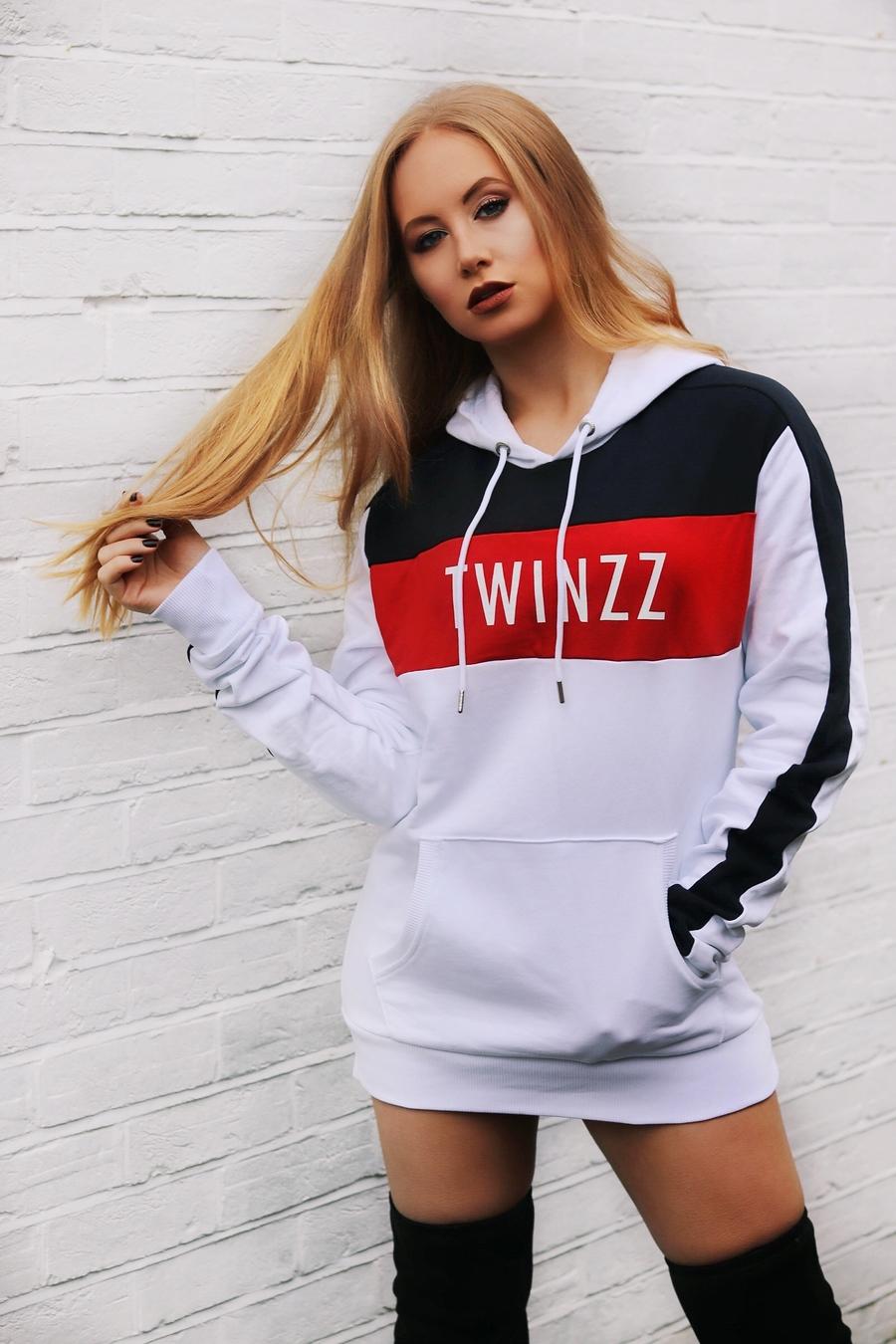 Twinzz / Model Emilee Lucia / Uploaded 7th January 2019 @ 10:28 AM