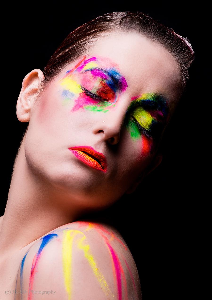 Painted Feelings / Model Alex Kelsey, Makeup by Alex Kelsey / Uploaded 6th September 2018 @ 10:54 PM