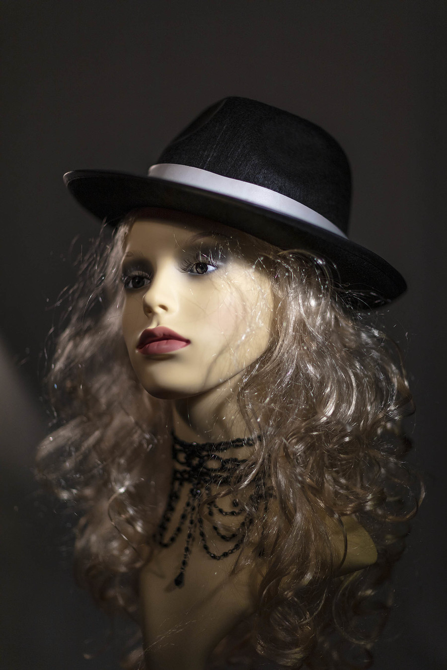 LUCY GOES UNDERCOVER AGENT / Photography by troy4, Designer troy4 / Uploaded 11th November 2020 @ 09:54 AM
