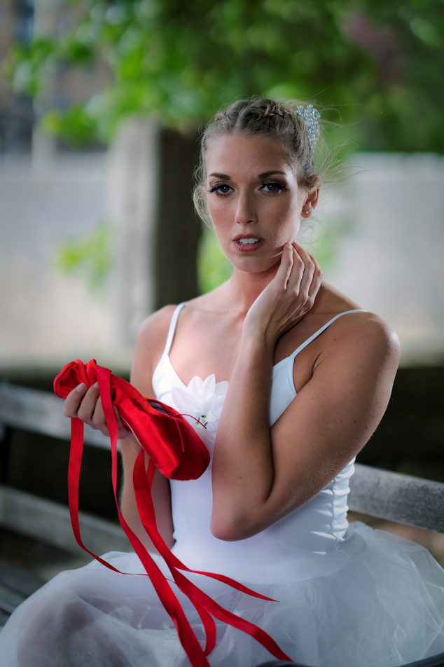 The Temptation of The Red Shoes / Photography by Ziggysmalls983, Model Emma Elizabeth / Uploaded 28th May 2019 @ 09:09 PM