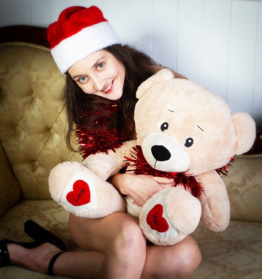 Festive Christmas! :) / Photography by MarkP, Model Zivile7 / Uploaded 25th December 2018 @ 04:56 PM