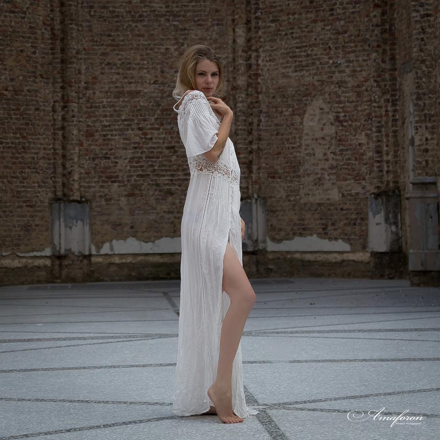 White dress / Photography by Amaforon / Uploaded 14th January 2019 @ 07:38 PM