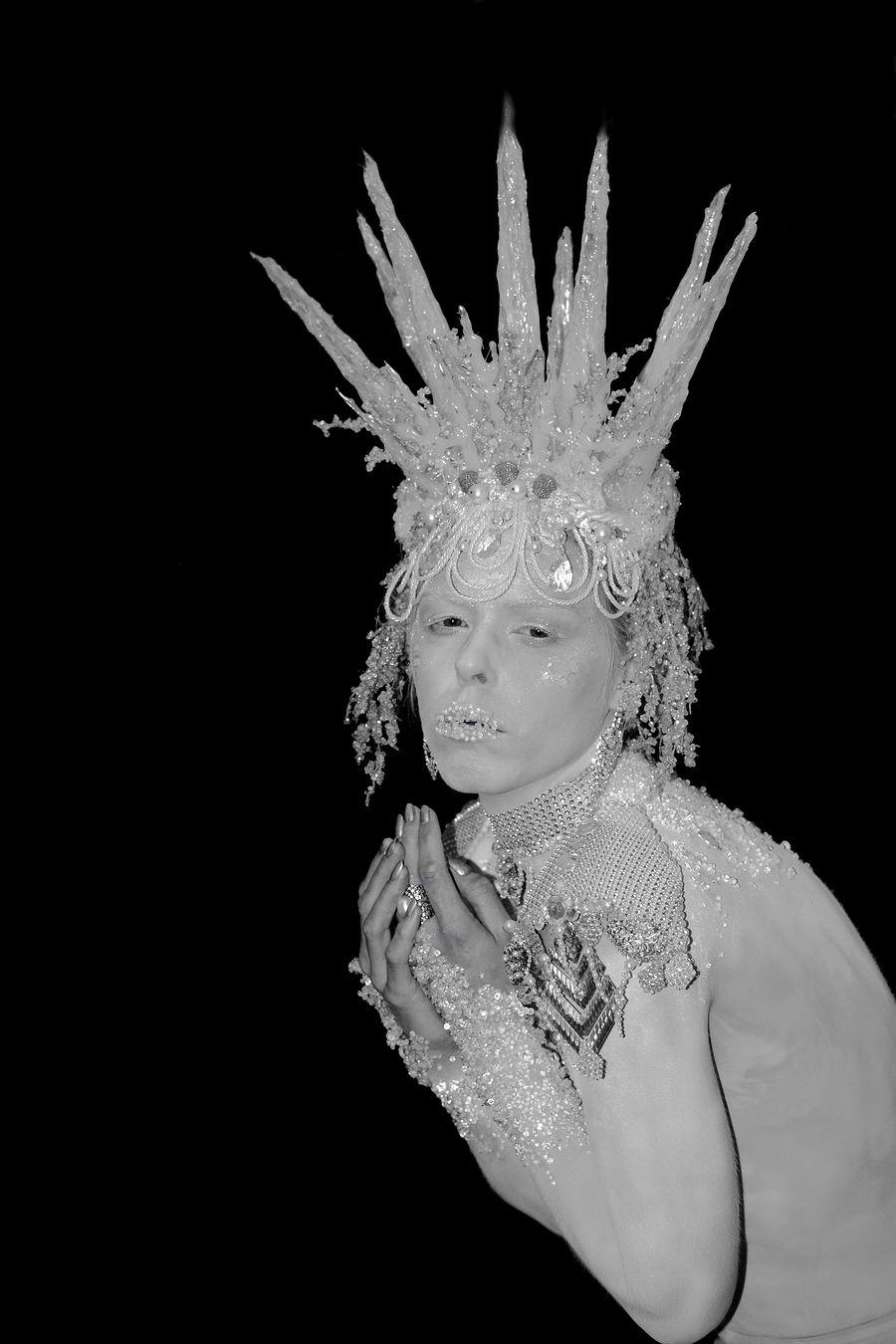 Couture Ice Queen Bodypaint / Model Nix Brown, Makeup by pierangela manzetti, Stylist pierangela manzetti, Artwork by pierangela manzetti, Designer pierangela manzetti / Uploaded 24th October 2016 @ 04:55 PM