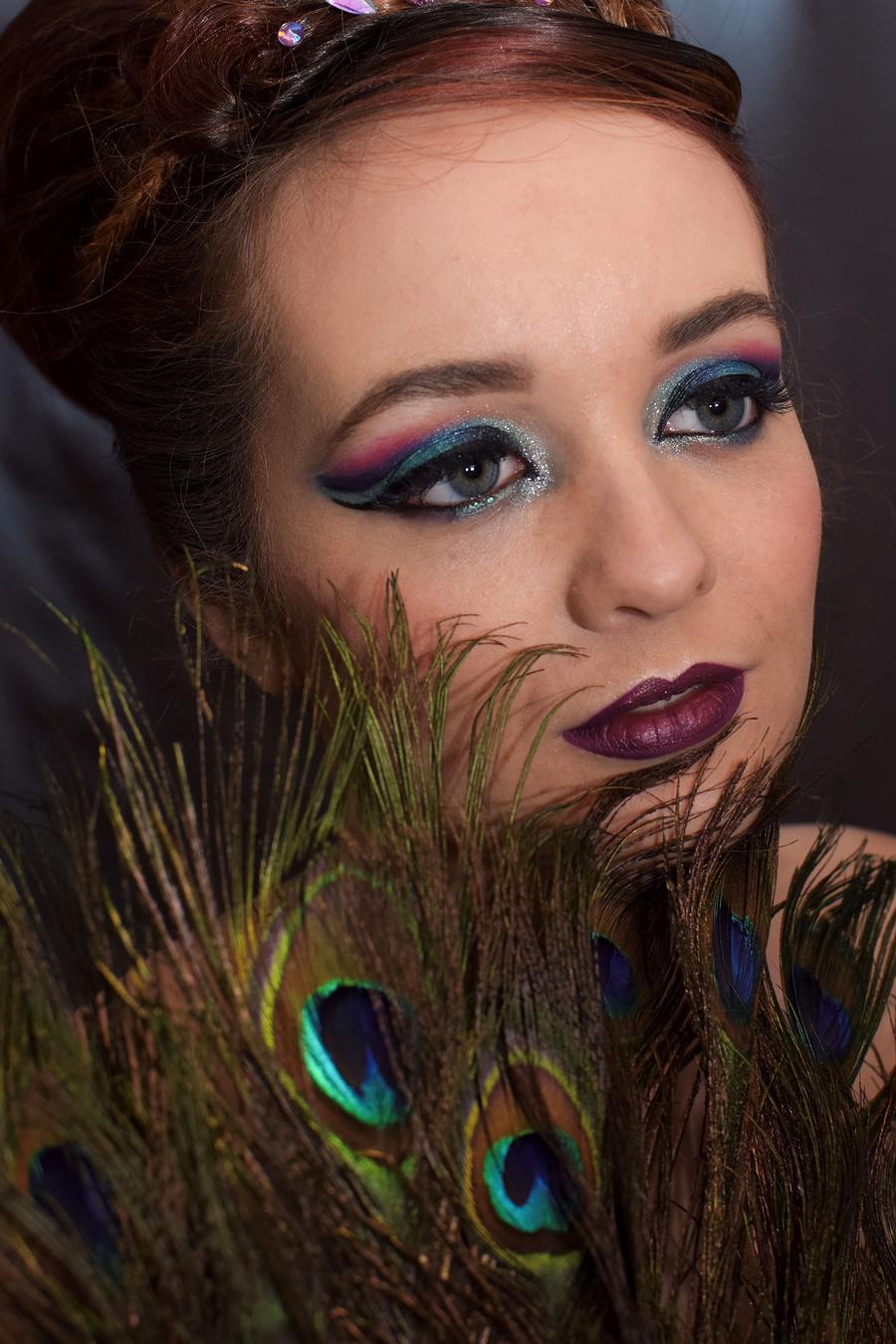 peacock beauty / Photography by pierangela manzetti, Model OliviaBlue, Makeup by pierangela manzetti, Hair styling by pierangela manzetti / Uploaded 2nd January 2018 @ 12:15 PM