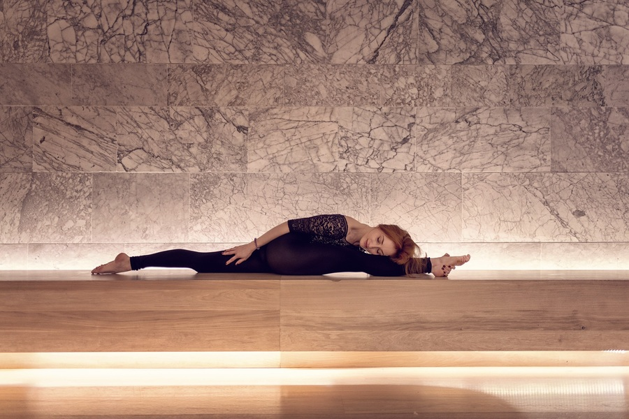yoga in the design museum London with flexibele yogini yogi in asana by Michal Jeck Photography / Photography by Michal J, Model Al Ten / Uploaded 27th May 2019 @ 10:02 AM