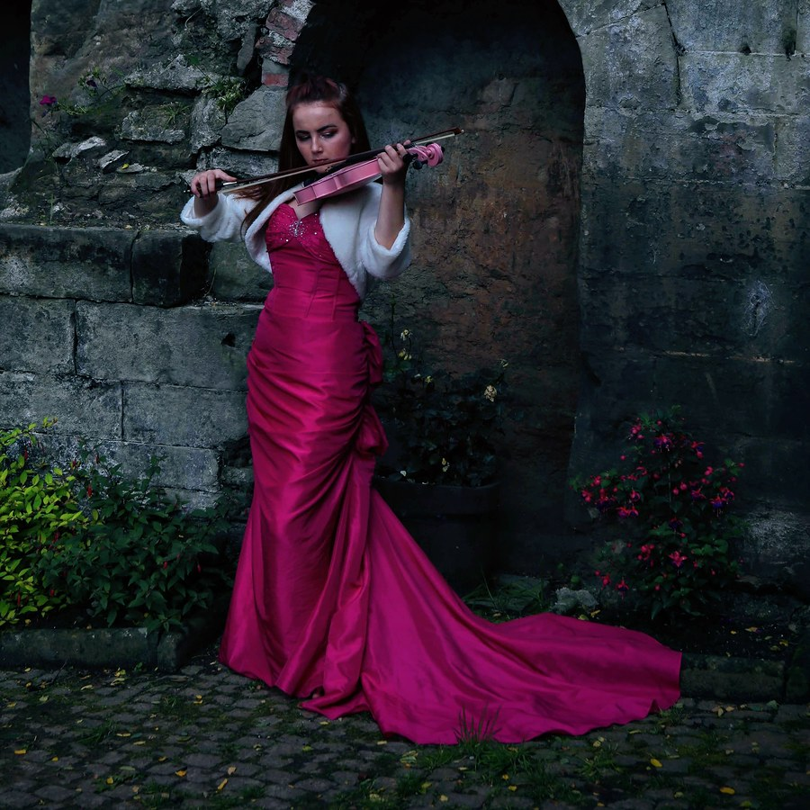 Pink violinist / Photography by Stephen G. / Uploaded 26th July 2019 @ 09:04 AM