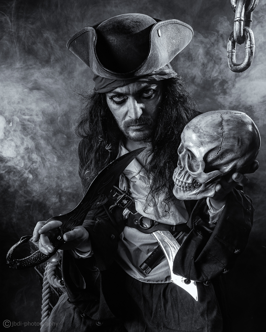 Pirates treasure / Photography by JBDI-photography, Model The Bard, Makeup by The Bard, Stylist The Bard / Uploaded 6th January 2020 @ 07:20 PM