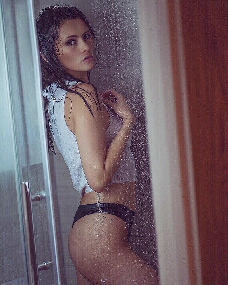 Model Amy Potterx / Uploaded 18th July 2019 @ 07:05 PM