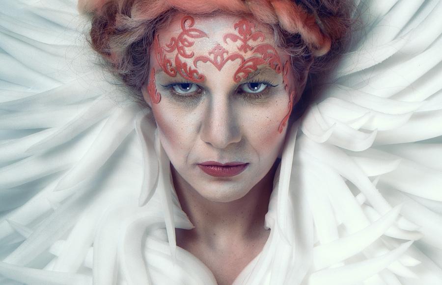 The Red Queen / Photography by Matthew Jones, Model Miss Versatile, Makeup by Sara Szpak MUA, Hair styling by Sara Szpak MUA / Uploaded 16th April 2015 @ 07:16 PM