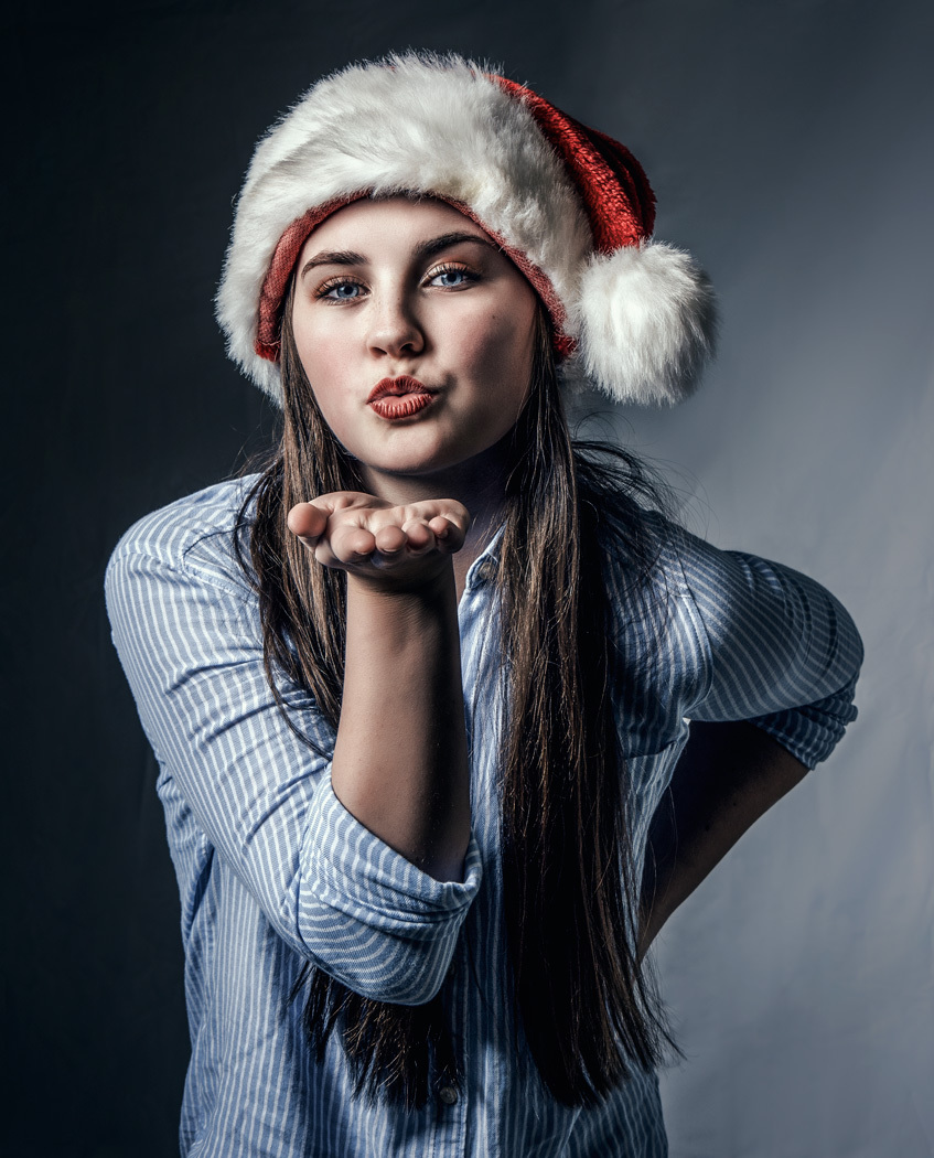 Christmas Kiss / Photography by Matthew Jones / Uploaded 22nd December 2016 @ 08:12 PM