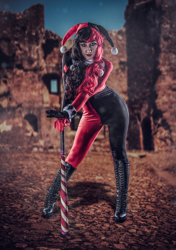 Harley and her bat / Photography by Matthew Jones / Uploaded 16th August 2017 @ 07:38 PM