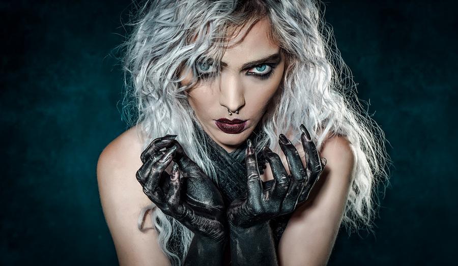 Siren / Photography by Matthew Jones, Model Rune (chibirune), Makeup by velvet rose  MUA, Hair styling by velvet rose  MUA / Uploaded 12th October 2020 @ 05:29 PM