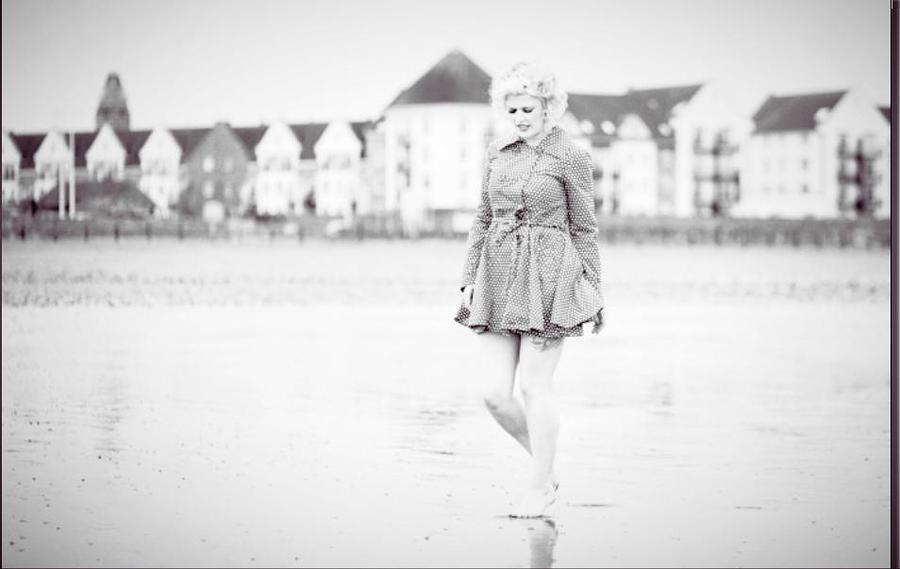50s beach shoot / Photography by Nik Sheppard, Model Lelly D / Uploaded 21st June 2014 @ 08:07 AM