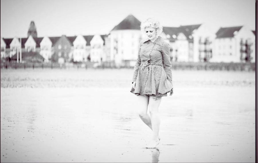 50s beach shoot / Photography by Nik Sheppard, Model Lelly D / Uploaded 21st June 2014 @ 09:07 AM