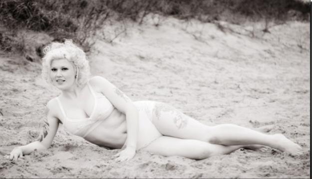 50s beach shoot / Photography by Nik Sheppard, Model Lelly D / Uploaded 21st June 2014 @ 09:09 AM