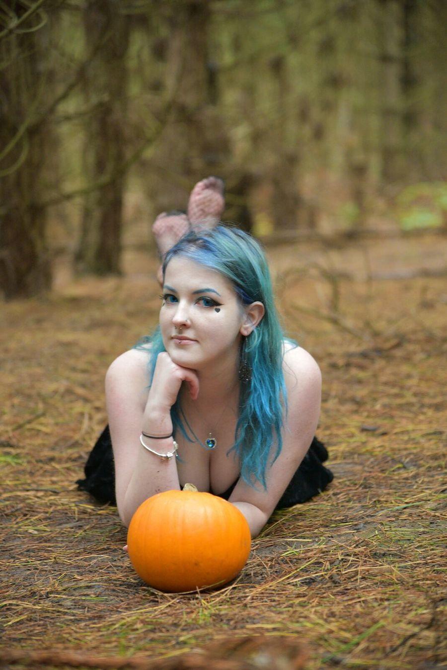 Photography by Jono Purday, Model Beckybb / Uploaded 13th November 2019 @ 11:30 PM