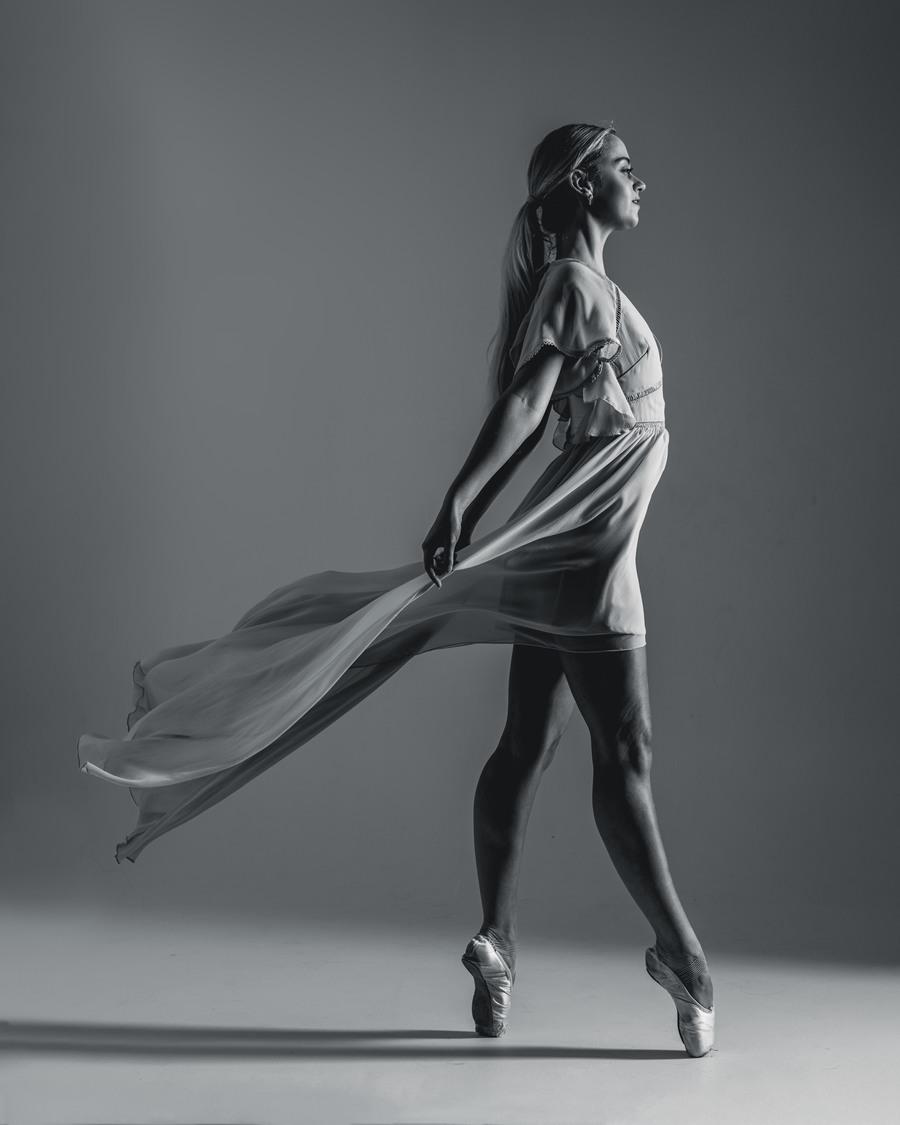 Eloise   / Photography by Brian Garrard, Model Ballerina.Elle, Post processing by Brian Garrard, Taken at Inspire Studios Ltd / Uploaded 14th October 2021 @ 07:37 PM