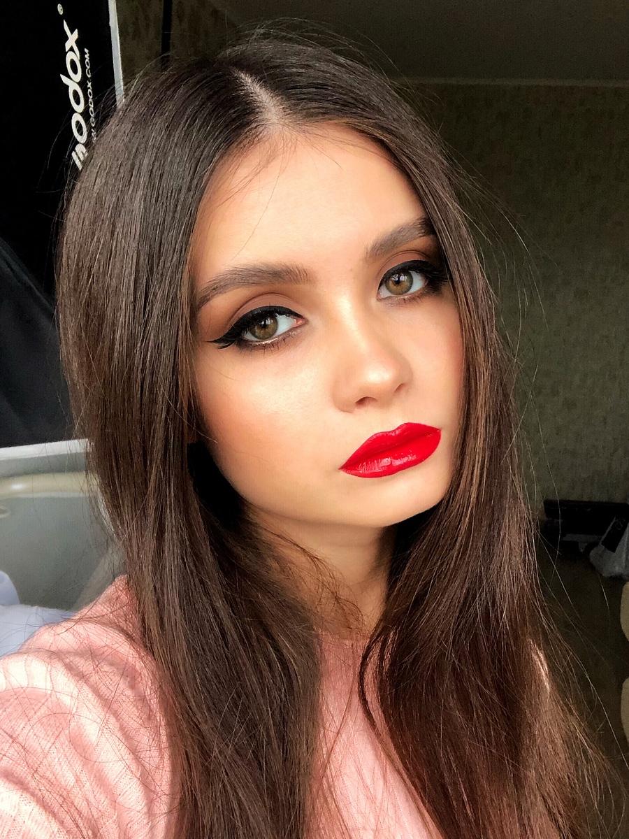 Backstage, selfie / Model Janna Evstafeva / Uploaded 11th