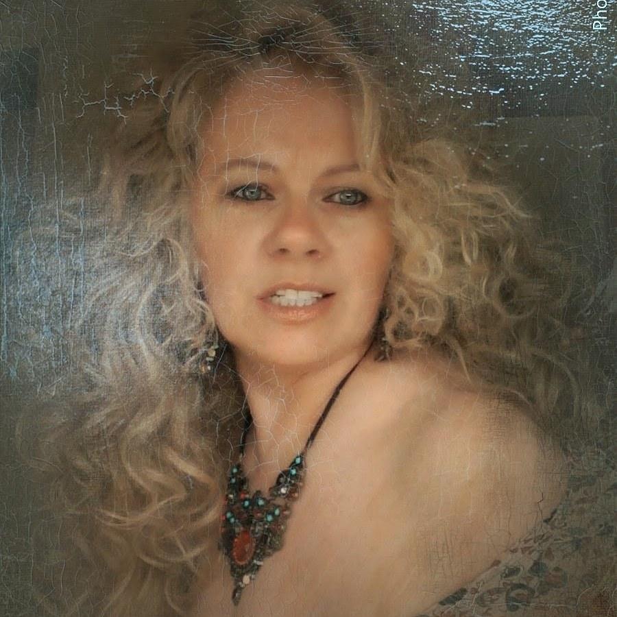 Model Debbie 2 / Uploaded 21st February 2020 @ 08:10 PM