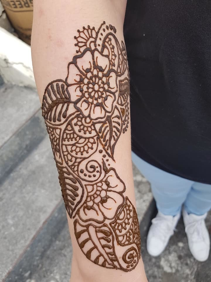 Natural henna design / Stylist Henna South West / Uploaded 7th October 2019 @ 01:51 PM