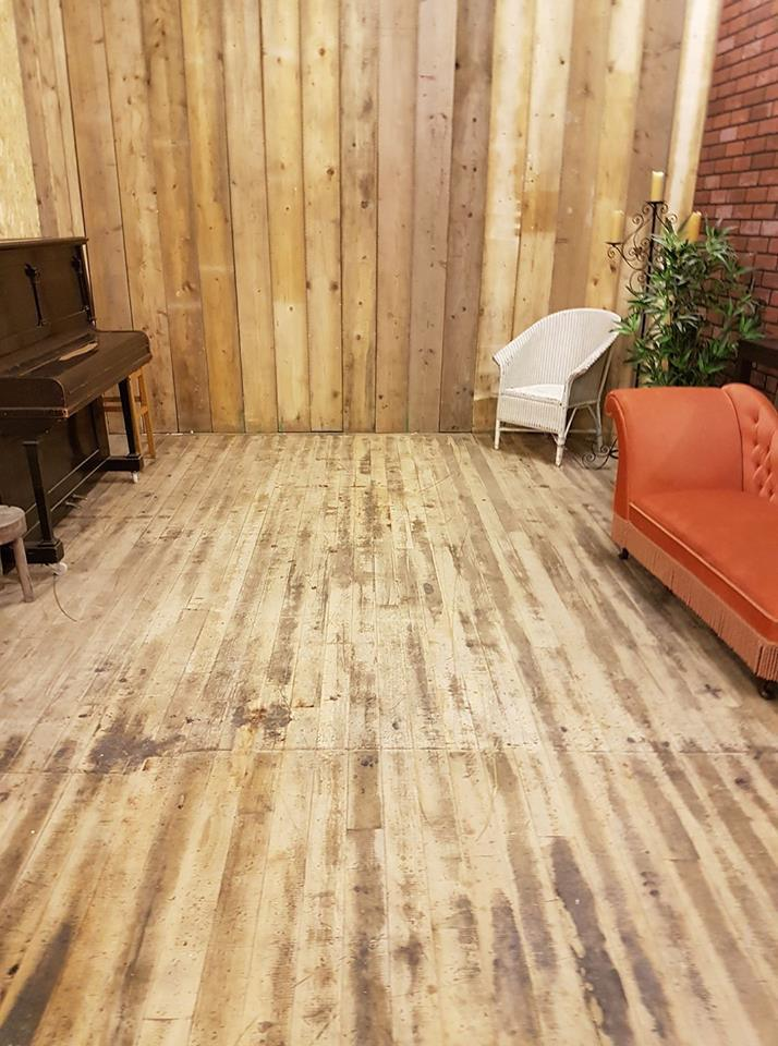 sanded floor and real wooden wall / Taken at HallamMill (Truedefinition) / Uploaded 10th November 2017 @ 05:48 PM