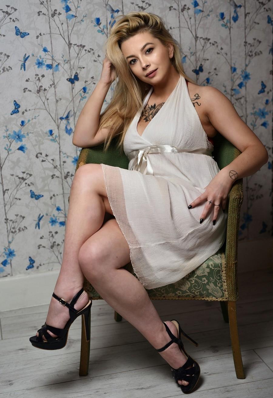 Photography by Tony Pattinson, Model JasminRina / Uploaded 25th November 2019 @ 08:35 PM