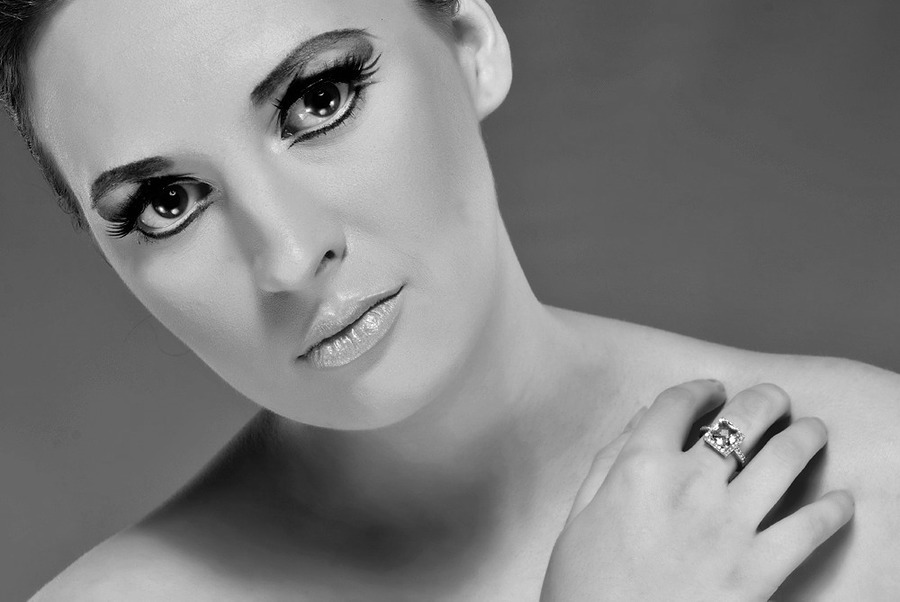 The eyes tell 1000 storys / Photography by Colin Grist, Model CherylSmith / Uploaded 2nd November 2012 @ 12:32 AM