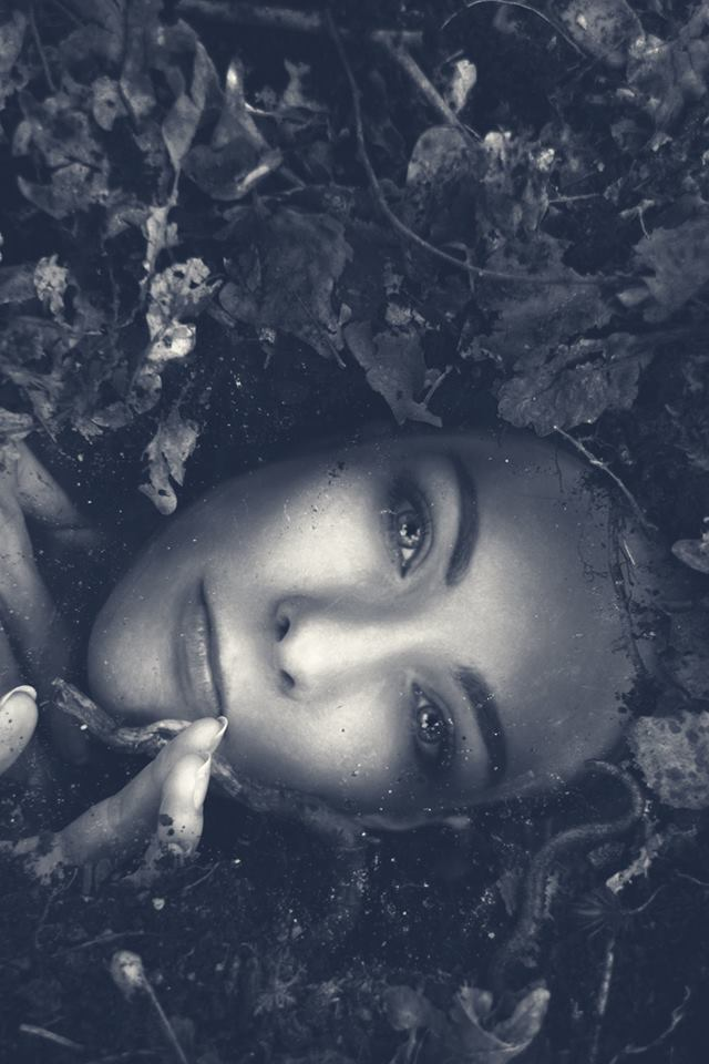 Buried Alive / Photography by L.D Photography, Model Avant Garde / Uploaded 20th August 2014 @ 09:11 PM