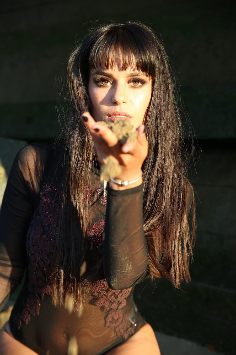 Miss hand / Model Georgiana1 / Uploaded 23rd June 2020 @ 10:11 PM