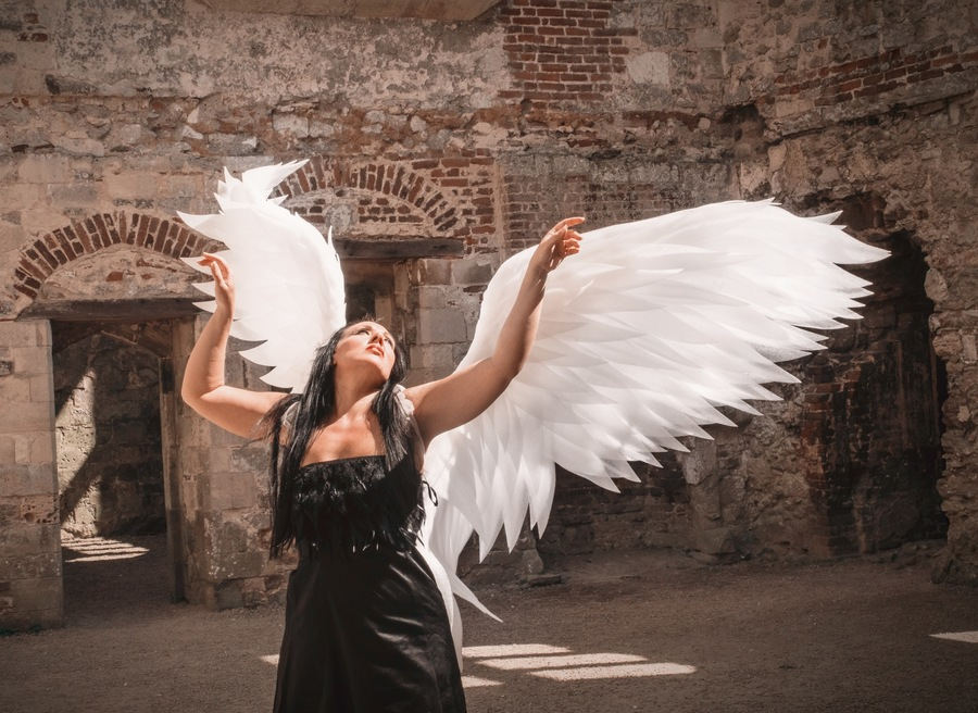 When angels fall, they also…..rise!  / Model miniminxxox / Uploaded 28th August 2021 @ 07:52 AM