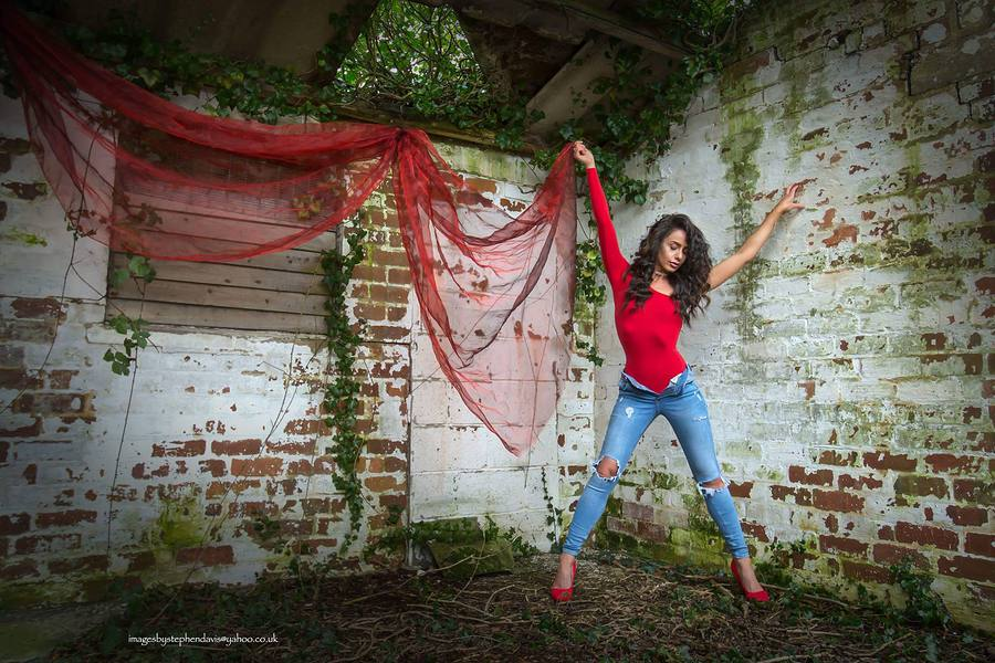 Spread your wings, yes, but don't fly to far.. / Photography by Imagesbystephendavis, Model Charlie Ellen / Uploaded 7th February 2018 @ 08:14 PM