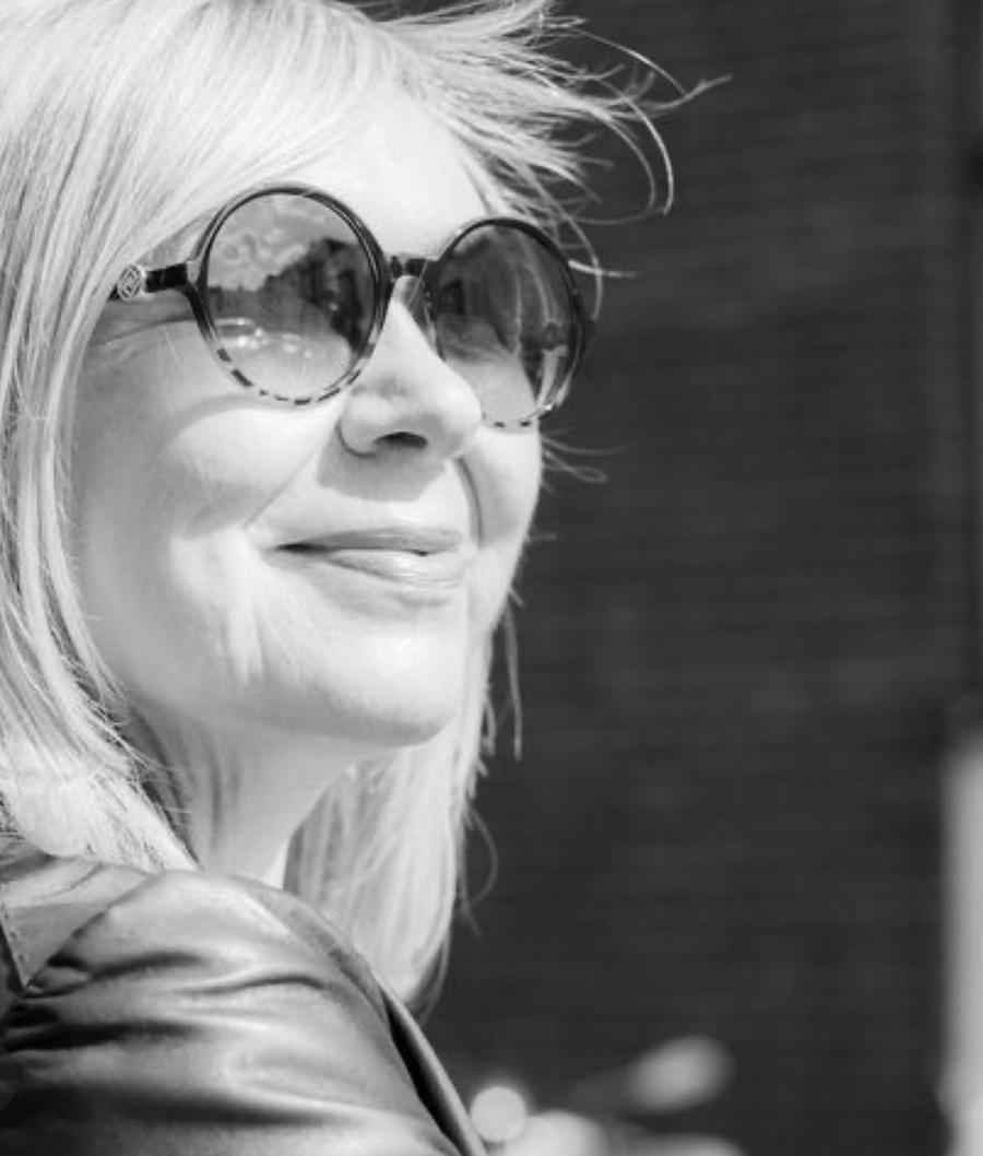 Notting Hill photoshoot 2019 / Model Eva Von Mitzka1 / Uploaded 4th April 2021 @ 10:34 AM