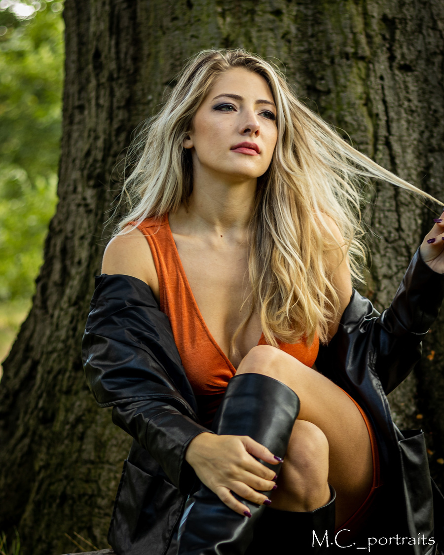 Photography by m.c.portraits, Model Honeybeelady / Uploaded 13th October 2021 @ 09:22 PM